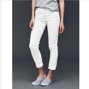 White Gap Girlfriend Jeans Leg Sz 29